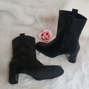 What's What by Aerosoles Black Booties Size 8.5